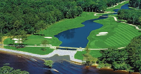 Arrowhead Golf Course - The lakes bridge
